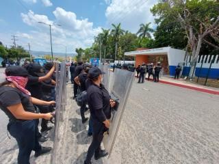 Organismos empresariales condenan actos radicales de manifestantes