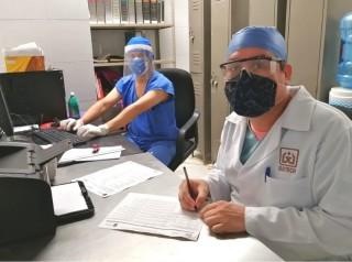 No bajar la guardia contra COVID-19, pide especialista del ISSTECH